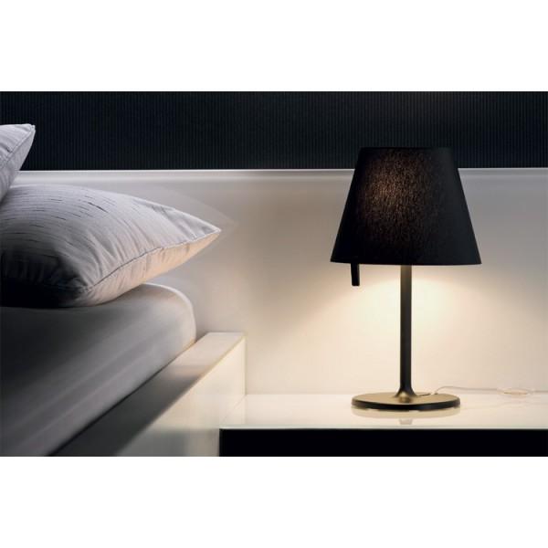 Lampe de chevet melampo notte un autre jour luminaires noum a nouvelle cal - Lampe au dessus d une table ...